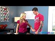 Порно сын делает маме массаж груди