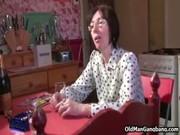 Девушка проявляет инициативу видео