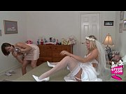 Как быстро дрочит женщина себе киску