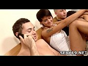 Порно мама мыла полы а сын трахнул ее