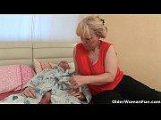 Видео онлайн русские молодожены трахают в попку подругу