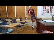 Русская девушка трахнулась на останоке видео