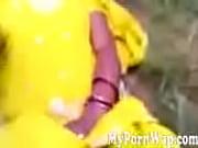 Любителькое мастурбировала и кончила перед камерой