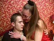 Порна онлайн как сын трахает сваю маму вовсе дырки