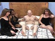 Порно видео зрелую трахнули на стуле