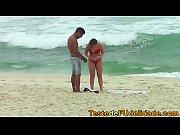Gatinha da praia pagand...
