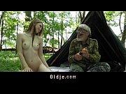 Секс с соседкой пока мужа нет дома видео смотреть