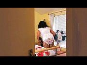 Смотреть порно видео ебёт раком на столе