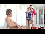 Секс девушка в короткой юбке