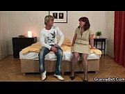 Порно онлайн девушка имеет своего парня