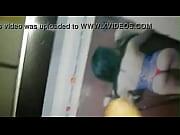 Видео мужчина раздевает девушку