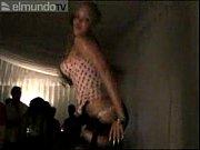 Частное видео подсматривание девушкам под юбки в ночных клубах