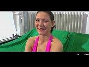 Видео у девушки вытекает сперма из влагалища