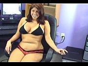 Порно со жгучей брюнеткой с большой грудью