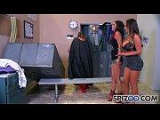 Частное домашнее видео женщины танцуют стриптиз