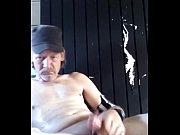 Смотреть порно незаметно дрочит и сосет у мужа подруги