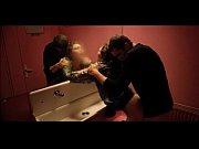 Порно дочь засунула матери руку в пизду