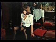 Французская сучка на веб камеру жестко себя трахает, хочет довести себя до струйного оргазма