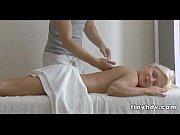 Смотреть порно лесбиянок на массажном столе