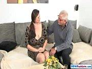 Смотреть русское порно отец с другом трахают дочь