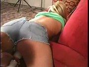 Порно девушка лижет негру жопу