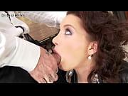 Сняла старомодные трусики секс видео