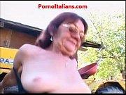 Зрелые жопастые пожылые тетки ебуться на видео