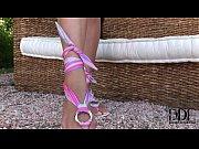 Модный показ женских гениталии