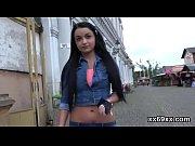 Видео русская госпожа наказывает раба и заставляет лизать ей писку