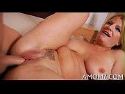 Парень ебет алкашку порно видео