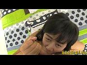 Видео отец смотрит как дочь бреет писю