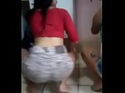 Жена занимается сексом с двумя парнями видео
