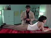 Порно видео 3 мужика трахают одну