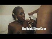 Подглядывание как мастурбируют лесбиянки с большими сиськами в офисе видео