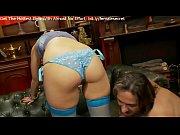 Красивая голая студентка трахает видео