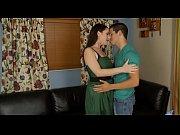 Лезбиянки ласкают клитор видео