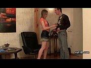 Русская девушка заставила своего парня сосать хуй порнуха