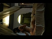 Жена делает миньет мужу в ванной