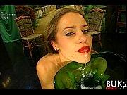 Смотреть фильмы онлайн девушки в микро бикини раздеваются