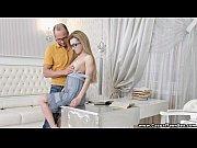 Трахают красивую жену при муже
