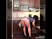 Тётка соблазнила племянника в ванной видео