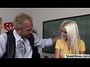 Секс с учительницей на парте русское порно