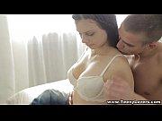 Скрытая камера на пляже в женской раздевалке порно