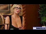 Красивая уборщица отебала хозяина порно видео