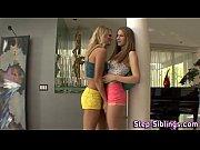 Смотреть порно онлайн мужик с двумя девушками