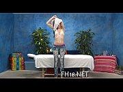Видео голых девушек с натуральной грудью онлайн