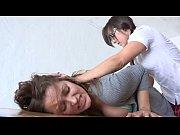Смотреть порно ролики жена спит рядом а муж трахаеться