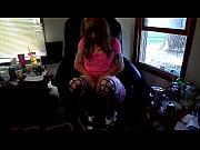 Девушка засовывает в член парню порно катетер