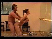 Взрослые женщины показывают вагины
