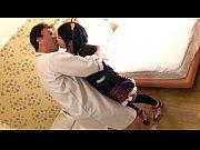 【コスプレアダルト動画】小鳥遊六花コスの美少女レイヤーがフェラ抜き口内射精!